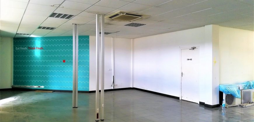 A louer local commercial 275m² en RDC – PAPEETE